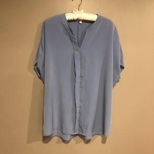 🎀 Talbots hidden button blouse sz L